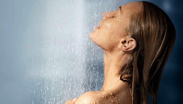 Можно ли мыться до и после солярия: когда принимать душ и сколько нельзя купаться
