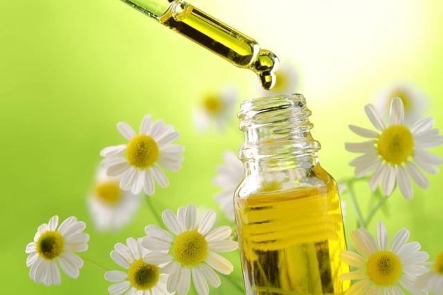 Эфирное масло лимона: свойства и применение для ногтей, отбеливания зубов, от пигментных пятен и в других случаях, отзывы