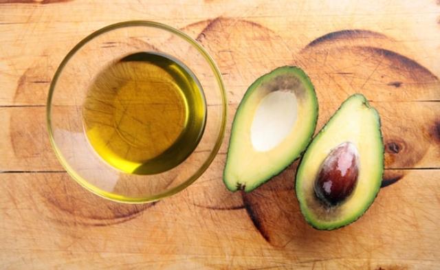 Масло авокадо для лица: применение, свойства, отзывы косметологов