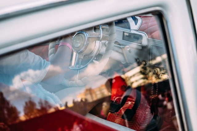 Можно ли загореть через стекло автомобиля и окна в доме