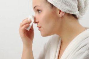 Касторовое масло от морщин: особенности применения для лица и кожи век, отзывы
