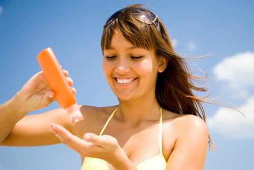 Что делать, если не загораешь на солнце, почему загар плохо ложится на кожу или перестает прилипать