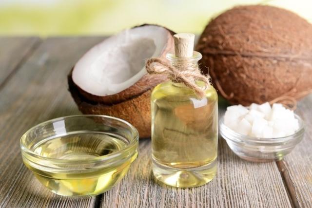Кокосовое масло для ресниц и бровей: способы применения, полезные рецепты, отзывы