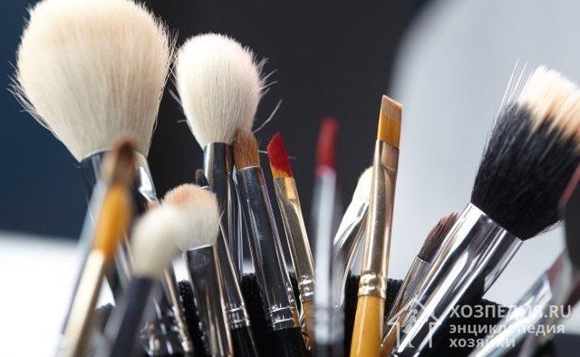 Как мыть кисти для макияжа и как правильно сушить их после мытья