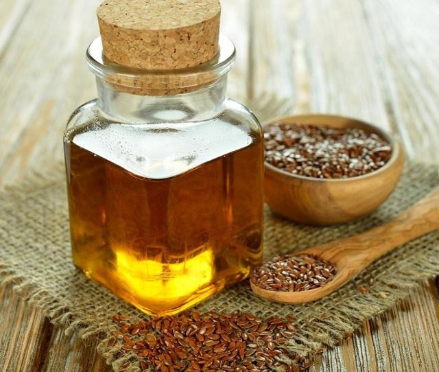 Льняное масло от запора, для желудка и кишечника: как принимать, отзывы