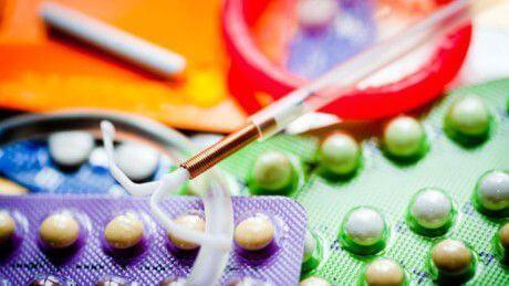 Какие контрацептивы лучше выбрать после 30 лет: эффективные противозачаточные таблетки, средства для рожавших и нерожавших женщин, отзывы