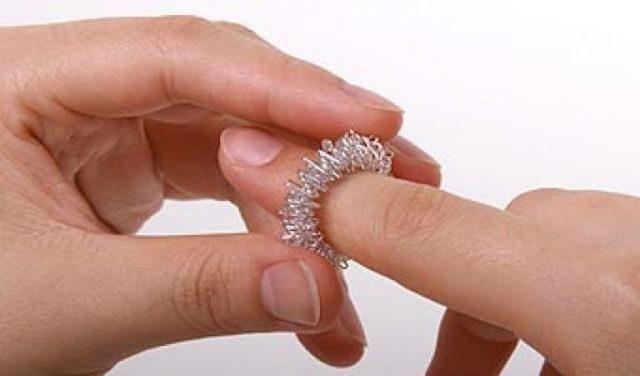 Массажер для пальцев рук Су Джок (шар и два кольца): как это работает, использование для развития речи у детей, отзывы