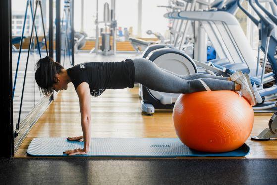 Упражнения для похудения живота и боков — самые эффективные комплексы для сжигания жира