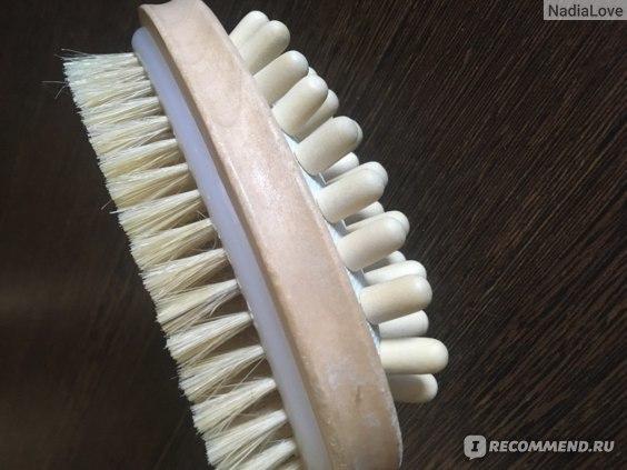 Массажная щетка от целлюлита: виды, отзывы, как пользоваться в домашних условиях