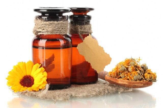 Касторовое масло для кожи вокруг глаз — эффективное средство в борьбе с морщинами