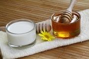 Камфорное масло для лица от морщин: применение в косметологии, рецепты масок, отзывы