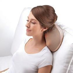 Подушка - массажер для шеи, плеч и спины: как выбрать, отзывы