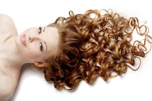 Прически с кудрями на средние волосы с челкой и без, фото локонов, видео