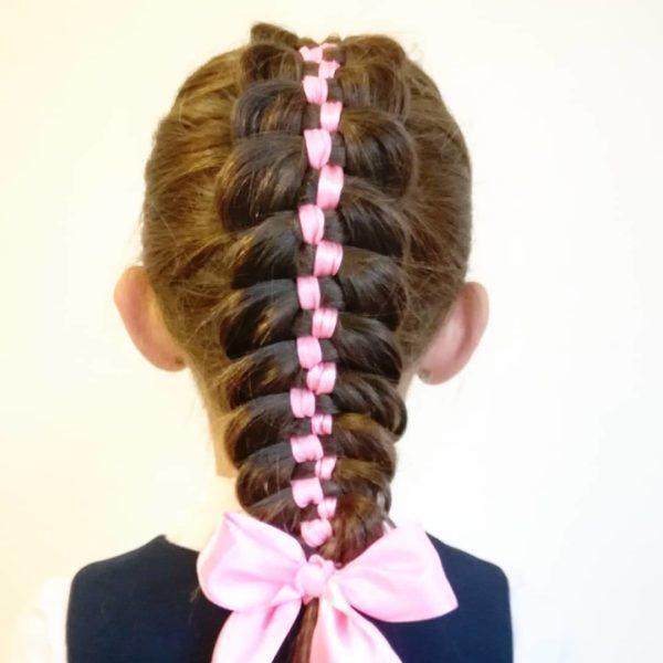 Косы с лентами на длинные, средние и короткие волосы, как вплести, поэтапно с фото, видео