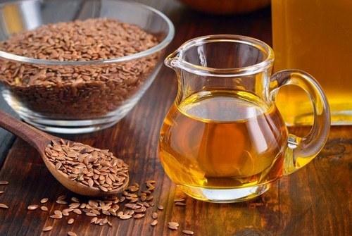 Льняное масло для лица от морщин: свойства, способы применения в косметологии, отзывы