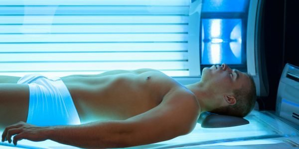 Солярий: вред и польза для мужчин, правила загара