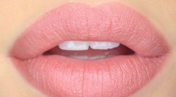 Лак для губ — что это такое, отличие от помады