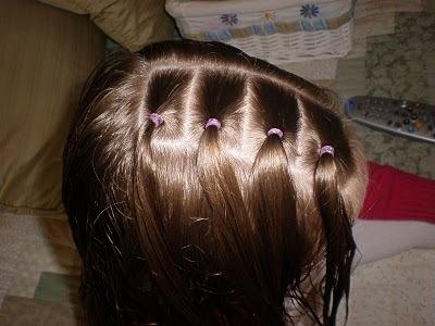 Прически с бантами для девочек, в том числе красивые косы, на длинные, средние и короткие волосы, фото и видео