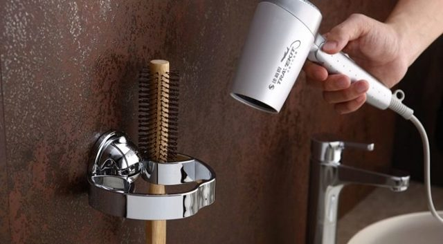 Держатель для фена: как удобно хранить прибор в ванной комнате и не только