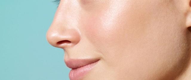 Можно ли сгореть в солярии и что делать, если покраснело лицо и облазит кожа