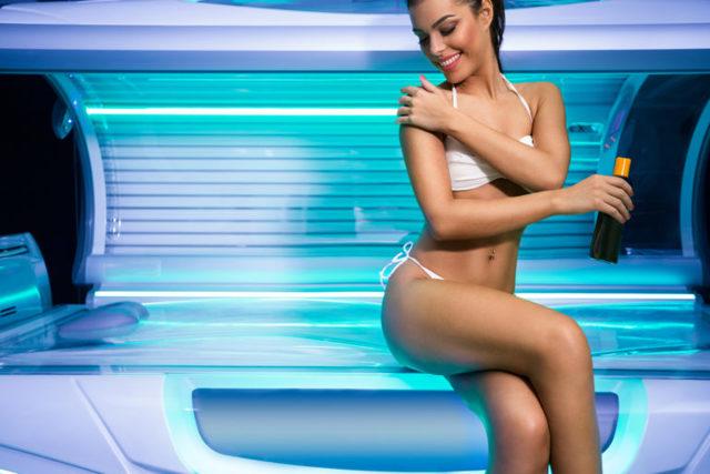 Можно ли при ГВ (грудном вскармливании) ходить загорать в солярий: мнения врачей и отзывы кормящих мам