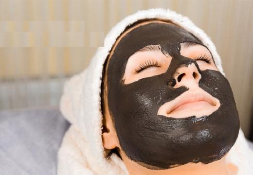 Маска с активированным углем от черных точек на лице: как сделать в домашних условиях, отзывы о рецептах