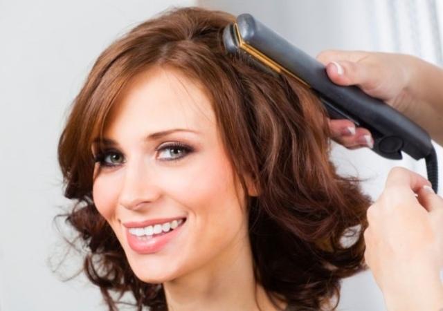 Укладка утюжком: как сделать прическу на короткие, средние и длинные волосы