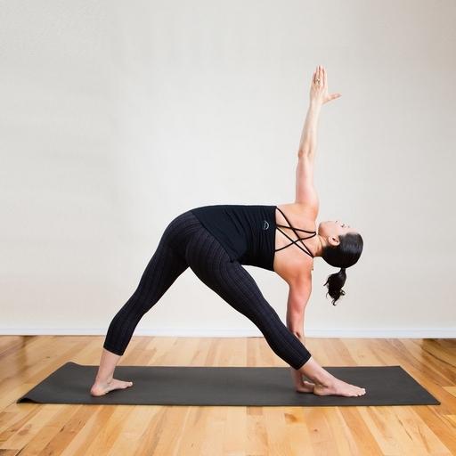 Упражнения для внутренней стороны бедра и ягодиц в домашних условиях, глубокие приседания, йога и другие